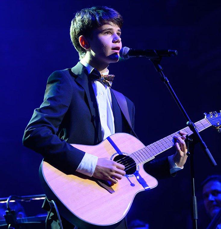 Sam Wilkinson Singer SongWriter